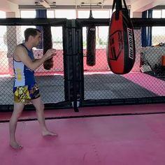 Wing Chun Martial Arts, Muay Thai Martial Arts, Self Defense Martial Arts, Martial Arts Workout, Martial Arts Training, Mixed Martial Arts, Taekwondo, Judo Karate, Mma Workout
