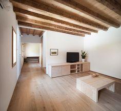 Il recupero del vecchio #tetto in legno prima coperto e ora riportato a vista. #mansarda http://www.mansarda.it/mansarde/ampliamento-antico-edificio/