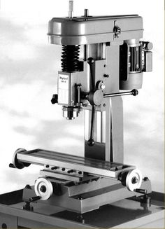 Benchtop Milling Machine, Vertical Milling Machine, Lathe Machine, Metal Working Machines, Metal Mill, Metal Lathe Projects, Engineering Tools, Machinist Tools, Small Cafe Design