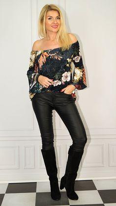 Photo Sessions, Off Shoulder Blouse, Leather Pants, Women, Fashion, Tunic, Leather Jogger Pants, Moda, Fashion Styles