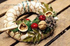 wianek bożonarodzeniowy Christmas Wreaths, Holiday Decor, Home Decor, Decoration Home, Room Decor, Advent Wreaths, Interior Decorating