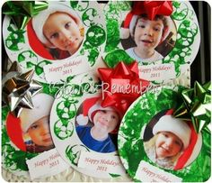 http://www.thingstoshareandremember.com/holiday-photo-wreaths-simple-paper-crafts/