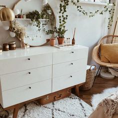 DIY Home Decor, room decor plan number 1939184369 for that truly vibrant home decorating. Teenage Room Decor, Modern Chest Of Drawers, Modern Dresser, Chest Drawers, Aesthetic Rooms, My New Room, Home Interior, Simple Interior, Interior Livingroom