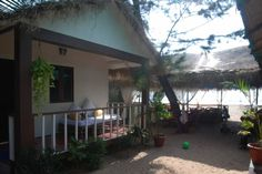 Goa Homestay - Luxurious sea-facing beach hut complex on Agonda beach. The property is less than a  minute's walk from the beach.