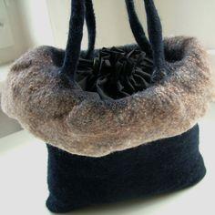 https://flic.kr/p/9TsJjg | Detail felt handbag