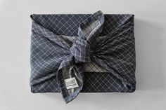 Gift Wrapping, Youtube, Gifts, Wrapping Gifts, Textiles, Tutorials, Blue, Gift Wrapping Paper, Presents