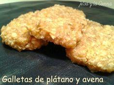 Galletas de plátano y avena (microondas, sin huevo, sin leche, veganas) | Jetsa y la Cocina Ingredientes para 6 galletas:  1 plátano muy maduro 40 gr de copos de avena