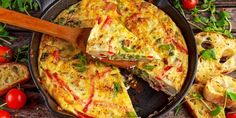 The Power Bowl Recipe: Spicy Vegetable Frittata - Tips on Life and Love Brunch Punch, Egg Recipes, Cooking Recipes, Vegetable Frittata, Frittata Recipes, Brunch Dishes, Appetizer Dishes, Asparagus Recipe, Asparagus Spears
