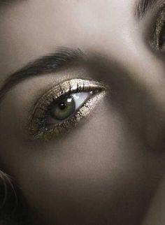 Make-up uddannelse & Make up Artist - Opnå Succes som Make-up Artist med en Fantastisk Beauty Uddannelse med Sine Ginsborg.