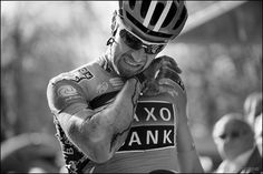 Matteo Tosatto crashed in the sprint Gent-Wevelgem between Deinze & Wevelgem winner Tom Boonen Uci World Tour, Pro Cycling, Classic, Photography, Spring, Awesome, Art, Derby, Art Background
