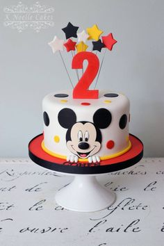 Ideas para pasteles o tartas fiesta Mickey Mouse - Apfel Kuchen - Ostern Bolo Do Mickey Mouse, Mickey Mouse Smash Cakes, Mickey Birthday Cakes, Fiesta Mickey Mouse, Mickey Mouse First Birthday, Mickey Mouse Clubhouse Birthday Party, Mickey Cakes, Mickey Mouse Parties, Mickey And Minnie Cake