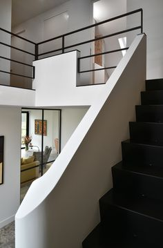 Interior Stairs, Interior Architecture, Home Garden Design, House Design, Steel Doors And Windows, Staircase Railings, Stairways, Modern Stairs, Paint Colors For Living Room