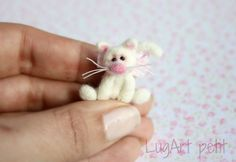 Needle felted kitty by LugartPetit on Etsy,