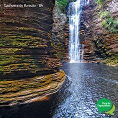 Conheça a Cachoeira do Buracão na Chapada Diamantina, Bahia. Considerada a mais bonita de todas, encanta os turistas com sua arquitetura caprichosa reservada pela natureza e pelo seu volume de água. #ChapadaDiamantina #Bahia #CachoeiradoBuracao