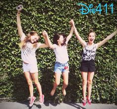 Video: Bailee Madison With Her Friends July 13, 2014