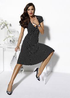 Šaty Šaty s puntíky v elegantním stylu • 599.0 Kč • Bon prix