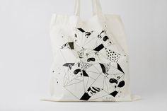 Cotton Tote Bag Arctic Fox with Mask Screenprint par brittamanger, €12,00