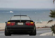 BMW 850i black stance