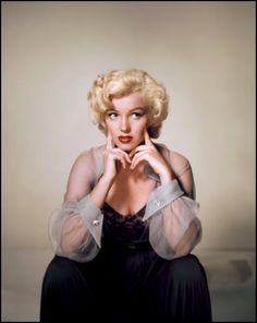 Marylin Monroe by Nickolas Muray Marylin Monroe, Marilyn Monroe Fotos, Divas, Elvis Presley, Nickolas Muray, Photos Rares, Cinema Tv, Mae West, Actrices Hollywood