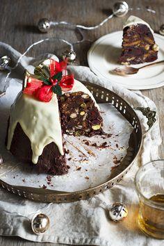 No-Bake chocolate Christmas pudding. #PANDORAloves this delicious holiday treat.