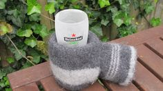 Beer mittens... that is too funny! We need those for ice fishing in Montana!