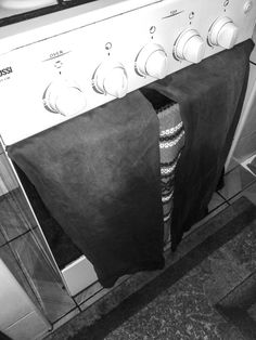 "@Life hacks: ""How to dry pants for skatebording"" :))"