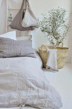 Linen bed linen, deco style meditéranéén