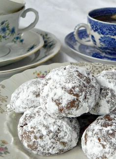 Pfeffernusse Cookies   #Cookielicious  Spicy German cookies that are easy to make and full of flavor.