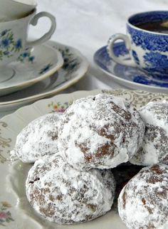 Pfeffernusse Cookies   #Cookielicious  Spicy German cookies that are easy to make and full of flavor.