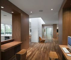 Image 6 of 17 from gallery of Record House Revisited / David Jameson Architect. Photograph by Paul Warchol Photography Vestibule, Minimalist Design, Modern Design, Minimalist Interior, Interior Architecture, Interior And Exterior, Interior Minimalista, Casa Real, Loft
