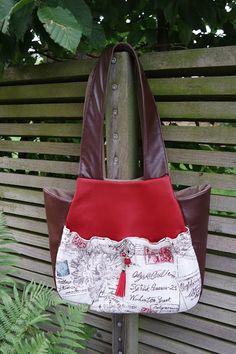 MOMENTS: Loretta Tassel Bag....