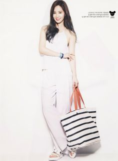 HYUNA & 2NE1 chụp ảnh tạp chí tháng 5 - Kenh14.vn