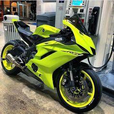 Yamaha with 125 HP engine. Honda Cgl 125, Honda Cb 400, Honda Sport Bikes, Yamaha Sport, Sport Motorcycles, Custom Motorcycles, Vintage Motorcycles, Yzf R125, Yamaha Yzf R6