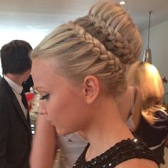 Gorgeous Braid Updo - Hairstyles How To