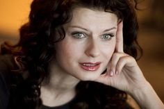43 éves lett Ullmann Mónika Monet, Bing Images