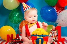 Vibrant photos bring the baby cake smash trend to life | BabyCentre Blog