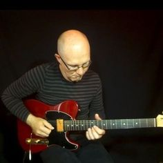 """Some Sunday guitar soloing! The Sunday quiz is from which song are the solo part backing track? Can you guess? """"#ThomasBerglundInstasoloing no 9"""" #guitar #guitarsolo #electricguitar #rockguitar #guitare #riffwarsjazz #guitarra #riffwars #universityofrock #lickwars @thesoundoftheday #GuitaristsUnite @guitar.show #guitarshow #showguitars @showguitars #licklibrary @licklibrary #guitarplayersunite #ugstuff #guitarporn #guitarplayer #guitarlove #guitarists #pickupjazz #ugstuff #SoloSection…"""