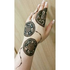 "701 mentions J'aime, 18 commentaires - Noozhat (@noozhat_henna) sur Instagram : ""I don't know what this is but I'm in love with it nonetheless """
