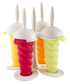Mastrad's cool twisty popsicle molds and stand for kids