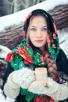 You like Eastern European women but, you find it difficult to understand their culture, attitude and behavior? Russian Beauty, Russian Fashion, Russian Style, Culture Russe, Style Russe, Eslava, Meanwhile In Russia, Russian Winter, Ukraine Girls