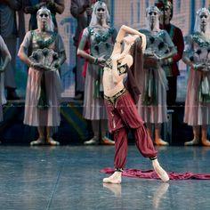 Olessia Novikova as Nikiya in La Bayadère (Mariinsky Ballet)