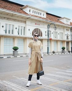 Modern Hijab Fashion, Hijab Fashion Inspiration, Islamic Fashion, Ootd Fashion, Fashion Outfits, Casual Hijab Outfit, Ootd Hijab, Hijab Chic, Casual Fall Outfits