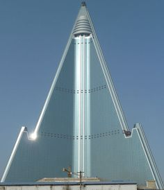Hotel that took 25 Years to Build: The Ryugyong