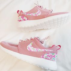 lily pulitzer nike roshes