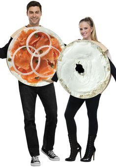 The Official Best Couples Halloween Costume ever, especially if you are a New York-based couple. Lox and schmear forever and everrrr. Costume Halloween, Purim Costumes, Funny Couple Halloween Costumes, Food Costumes, Adult Costumes, Halloween Fun, Couple Costumes, Halloween Parties, Meme Costume