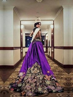 Miss International 2015, Edymar Martinez, en su Prueba e Vestuario, para participar como invitada en el Concurso de Miss Puteri Indonesia..