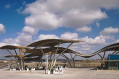 NP Gas Station by Moneo-Brock