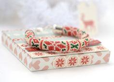 Nordic Christmas - Classic Bead Crochet Bracelet  Winter Nordic Star Red White Green Beadwork  Bangle Bracelet Ethnic Jewelry Modern