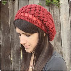 Pinecone Slouchy Hat by Gleeful Things, via Flickr  pattern $4.00