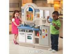 Educational Toys and Games. Little Tikes Inside Outside Kitchen. This unique two-sided toy kitchen with realistic styling and cooking sounds has an inside play kitchen on one side and an outside barbecue. Kids Toy Kitchen, Kitchen Playsets, Kitchen Sets For Kids, Pretend Kitchen, Kitchen Grill, Little Tikes, Barbacoa, Warehouse Kitchen, Bbq Grill Set